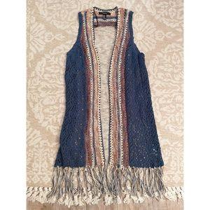 Forever21 crochet cardigan vest! Size: M/L